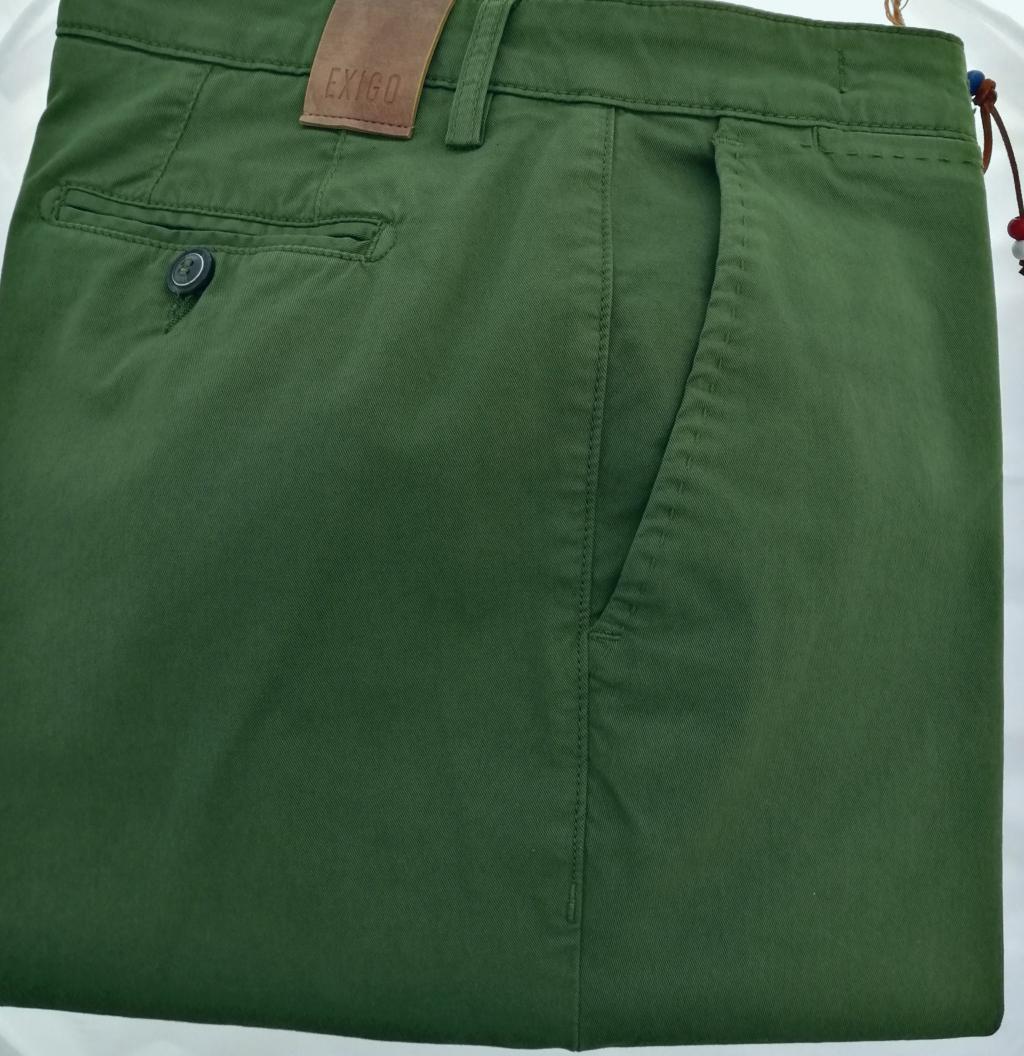Pantalone uomo in cotone elasticizzato con vestibilità regolare