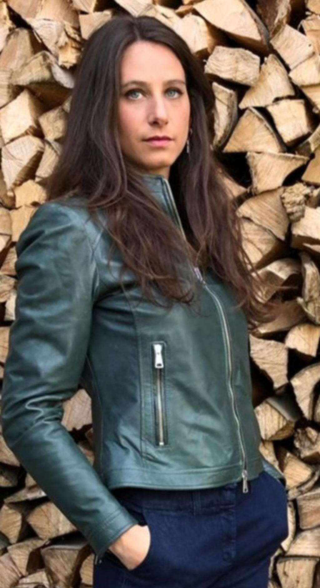"""Giacca in pelle donna mod. """"biker"""" realizzata in pelle extrasoft conciata con enzimi vegetali, effetto vintage"""